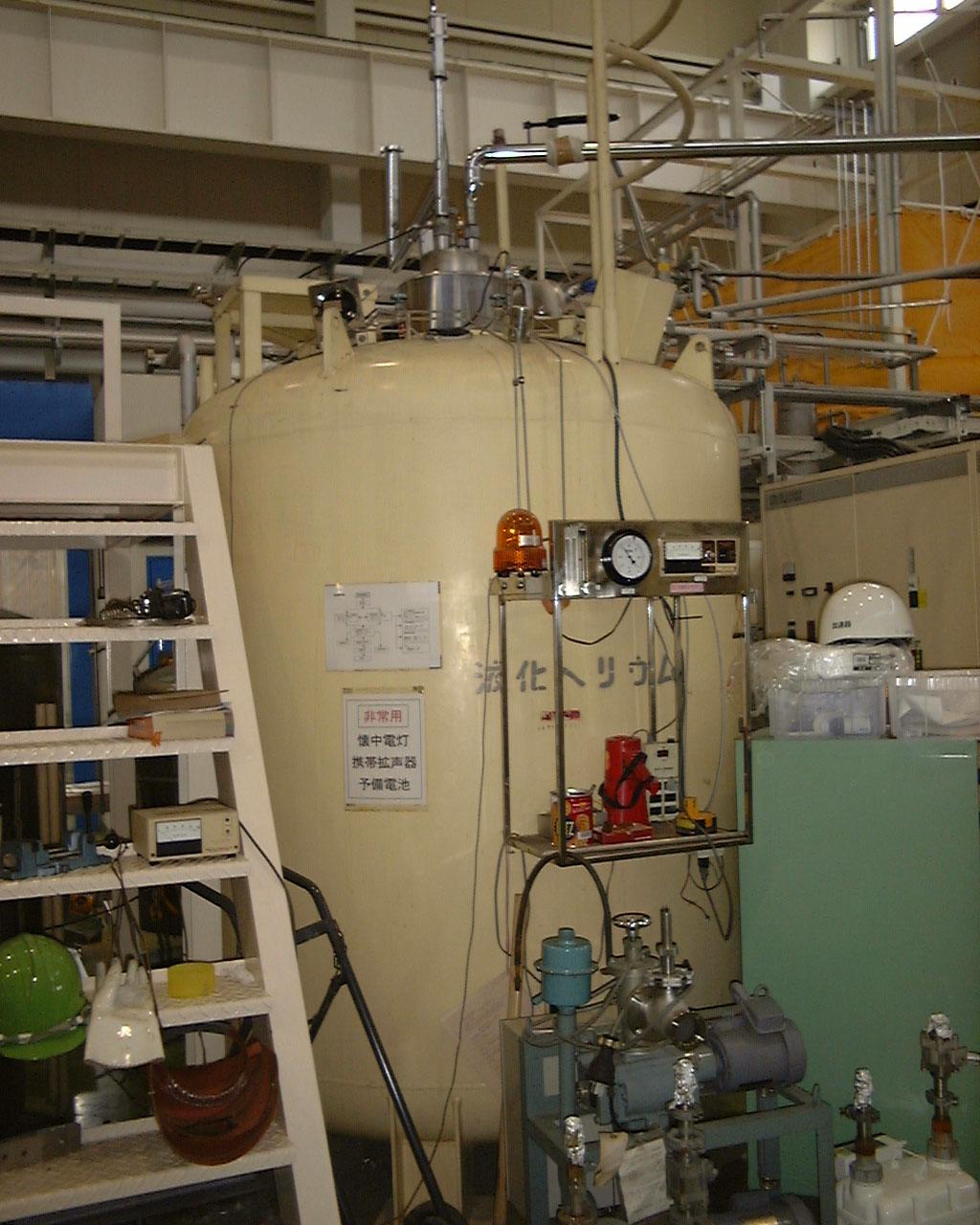 STF Web 2016        ヘリウム冷凍機設備 超伝導リニアック試験施設(STF)   STFの目的、概要